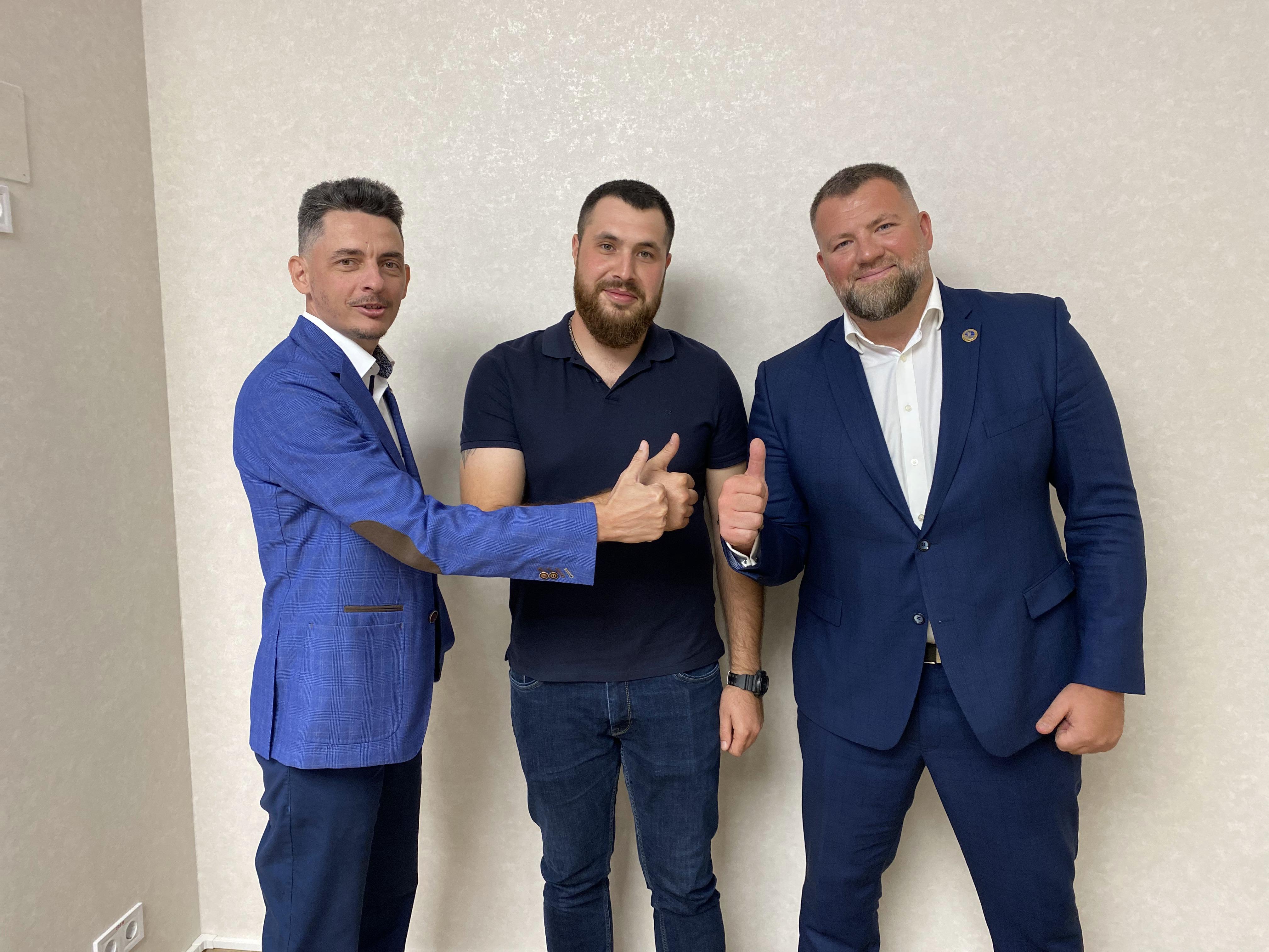 Yevgeniy Nikolov, Yuriy Sergieiev, MTWTU legal advisor, and Oleg Grygoriuk MTWTU Chairman